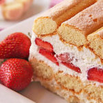 Strawberries-Cream-Fridge-Cake-4501