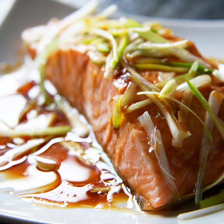 Sizzling Salmon with Lemongrass & Tamarind